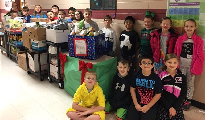 Albany Elementary collected over 1,000 cans of food during the school wide canned food drive!