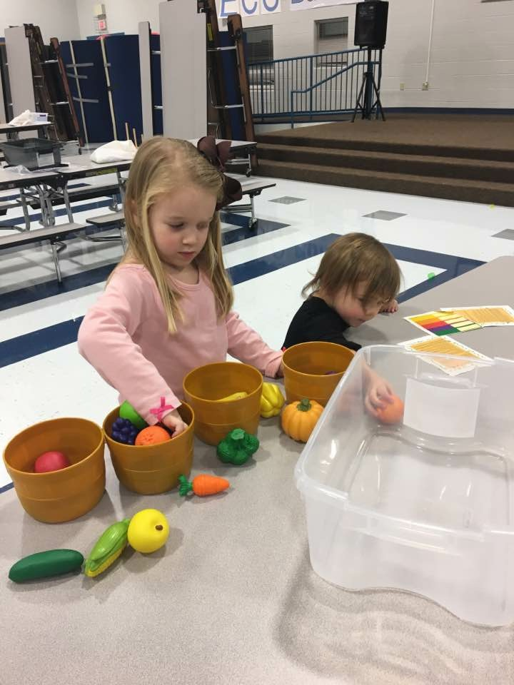 The final night of the Born Learning Academy for this school year was held on Monday, February 6th at the Clinton County Early Childhood Center.