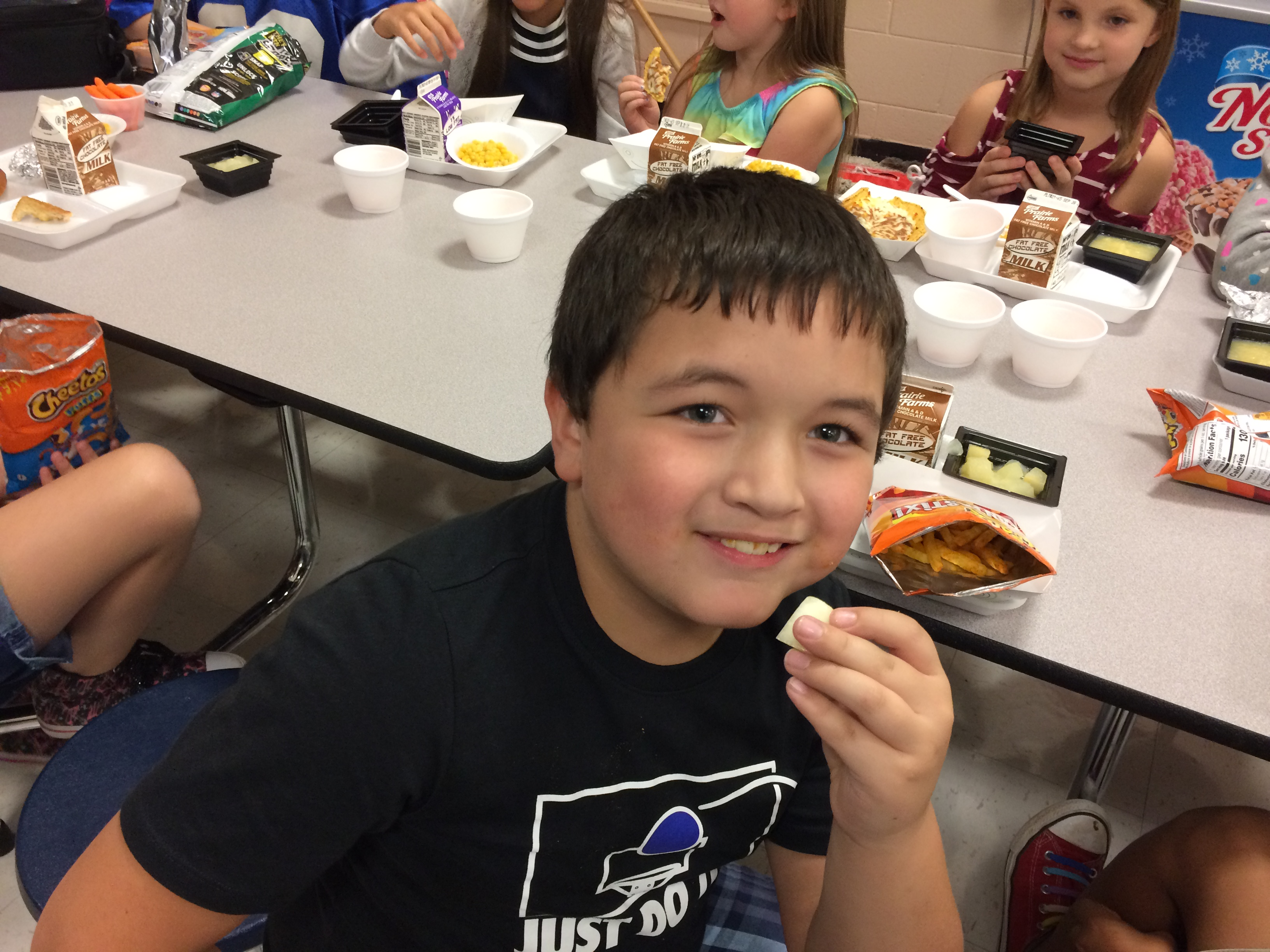 Students at ECC and AES had the opportunity to try canary melon and Parisian carrots during the September Try Day on Friday, September 15th.