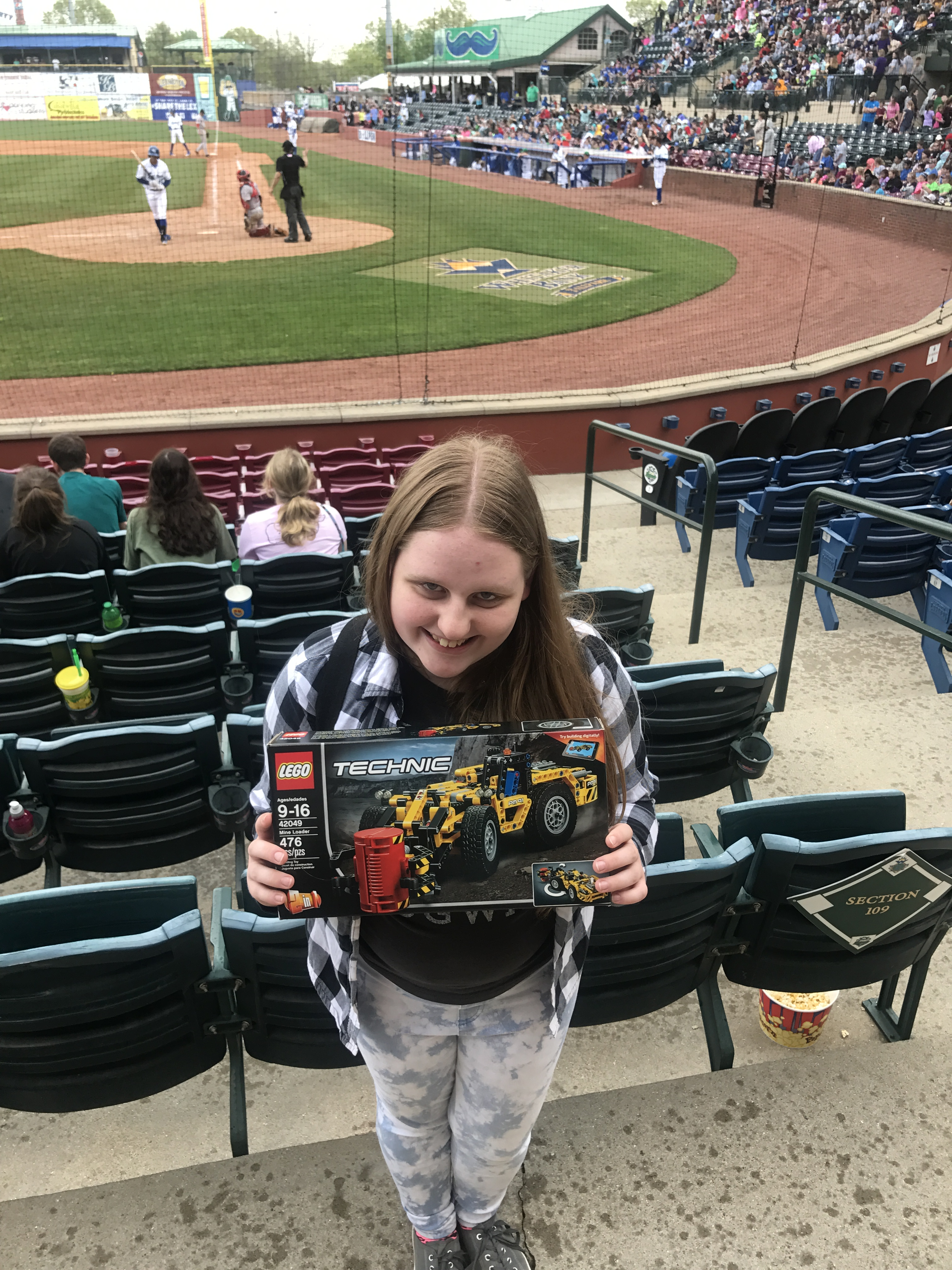 On Wednesday, April 19th, CCHS students had the opportunity to participate in the Lexington Legends Game Day Education Program at Applebee's Park.